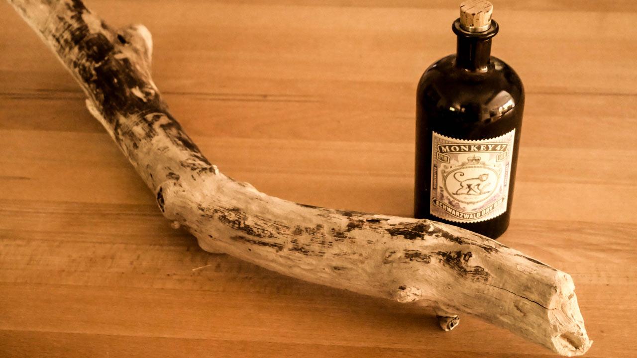 Lampe Aus Treibholz Und Alten Gin Flaschen Monkey 47 Made By