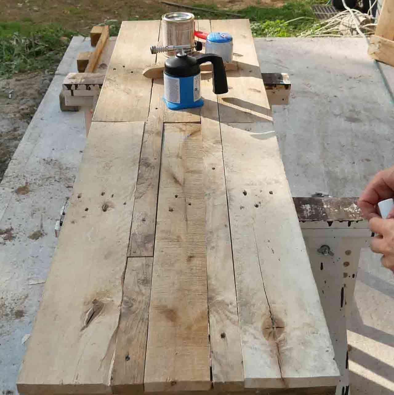 Paletten Holz Altern Lassen Abflammen Made By Myself Dein Diy