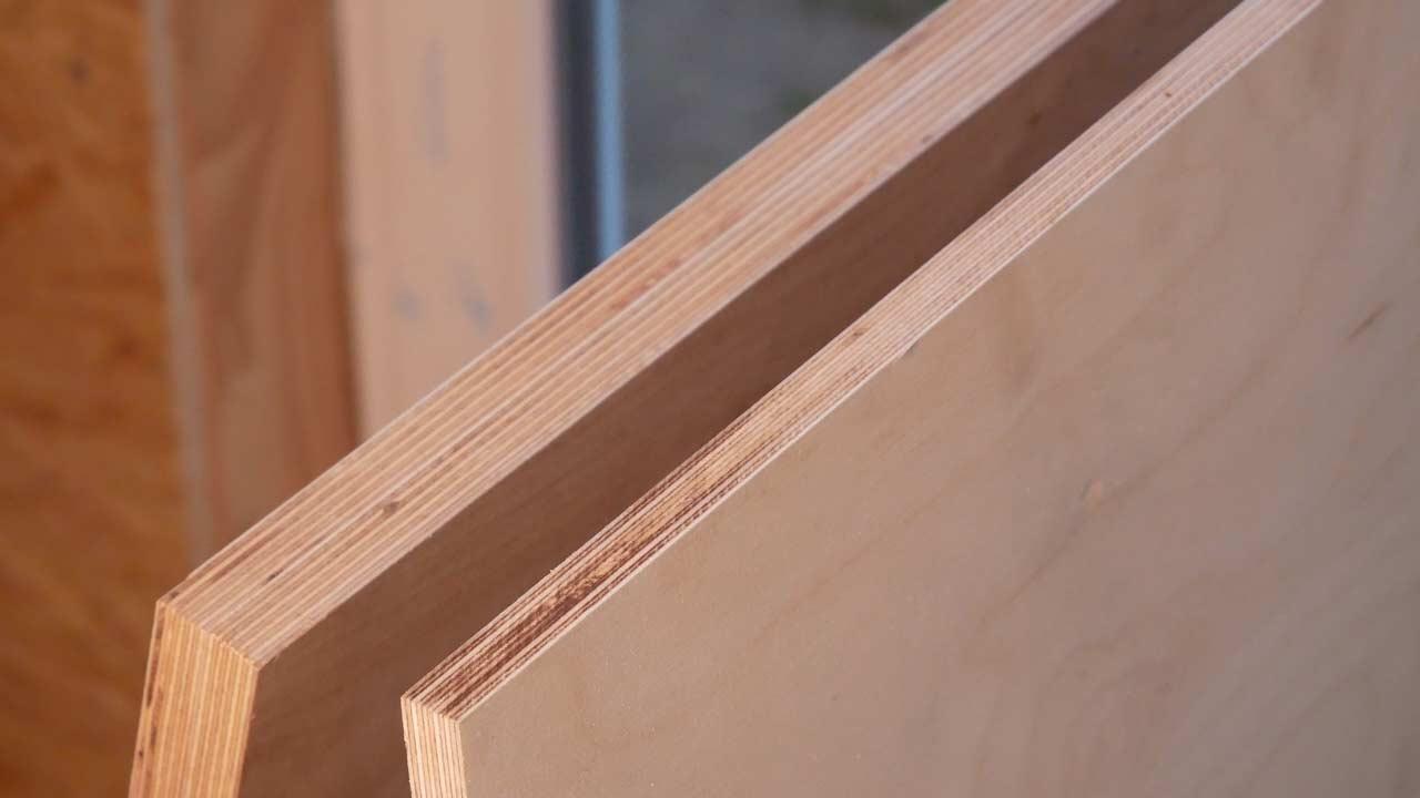 Die Holztruhe wird aus Birke der Stärke 15 mm geschreinert