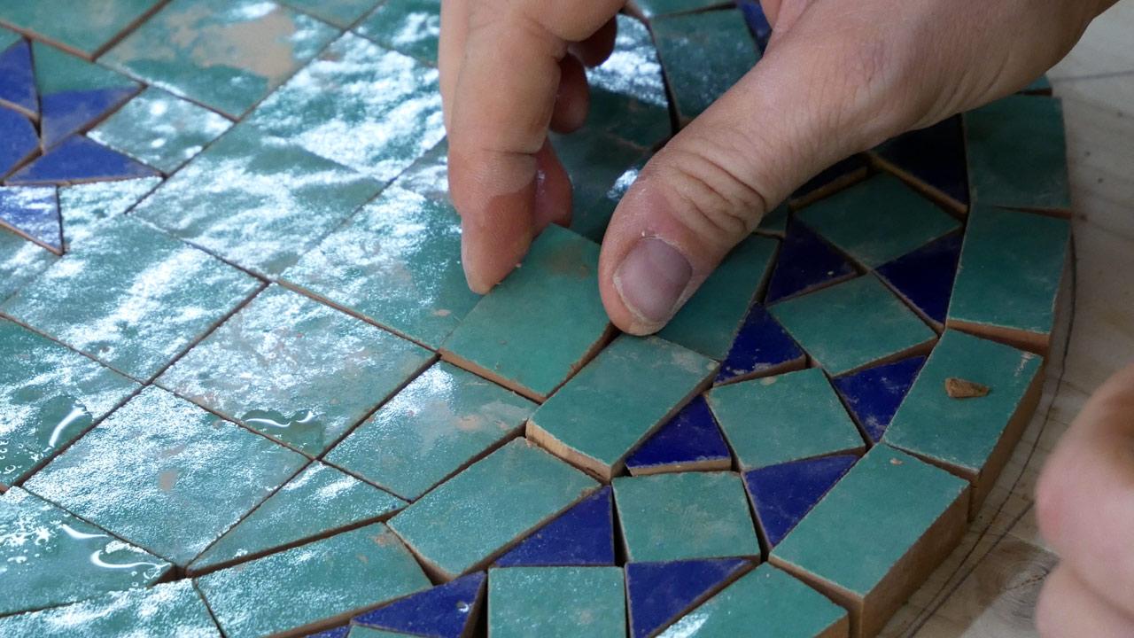 Mosaiktisch Tisch aus Mosaik selber machen Made by